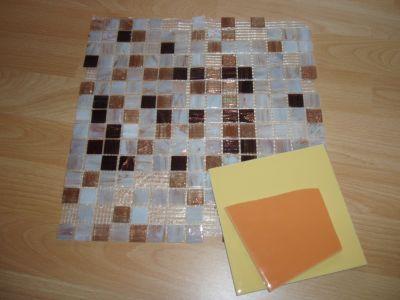 Материалы для изготовления плитки: глазурованная настенная плитка и пластинки из силикатного стекла